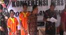 Tak Punya Uang untuk Memperbaiki Rumah, Dua Kakek Ini Nekat Mencuri Kayu - JPNN.com