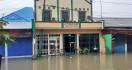Biasanya Sekali Setahun Banjir Rendam Klinik Milik Dokter Timnas Indonesia, Kini 3 Kali 1 Bulan - JPNN.com