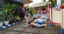 Bangga Pesta Miras Berpakaian Seragam Sekolah, Tak Berdaya saat Dijemput Polisi - JPNN.com