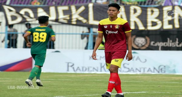 Bek Persik Kediri Tidak Gentar Hadapi Persebaya Surabaya - JPNN.COM