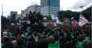 Protes Pernyataan Istri Menteri Suharso, Ratusan Driver Ojol Geruduk DPR - JPNN.com