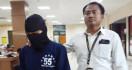 Istri Pergoki Suami di Kamar Bersama Anak Tiri, Sudah 24 Kali - JPNN.com