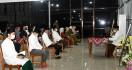Jokowi Gelar Tahlilan Ibunda Sudjiatmi di Solo, Jemaah Dikasih Jarak - JPNN.com