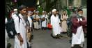 183 Jemaah Masjid Kebon Jeruk Pindah ke RS Darurat Corona - JPNN.com