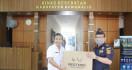 Bea Cukai Sumbang APD Dukung Tenaga Medis di Bengkalis - JPNN.com
