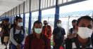 Ribuan TKI dari Malaysia Pulang Lewat Riau, Bagaimana Kesehatannya? - JPNN.com