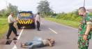 Pegawai Honorer Ini Ditemukan Tewas Terkapar di Jalan Raya - JPNN.com