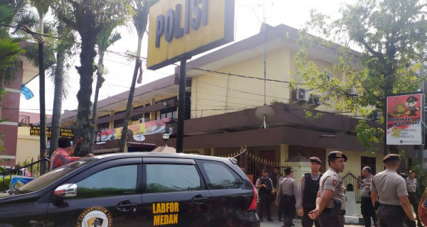 Serangan Bom di Mako Polrestabes Medan Lukai Petugas - JPNN.com