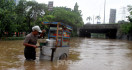 Jakarta Banjir Lagi, #4niesTenggelamkanDKI Masuk Trending Topic - JPNN.com