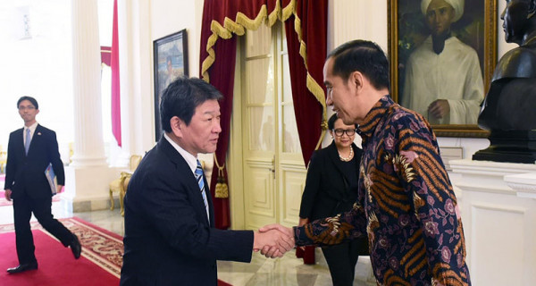 Jokowi Sambut Kunjungan Menlu Jepang Motegi Toshimitsu - JPNN.com