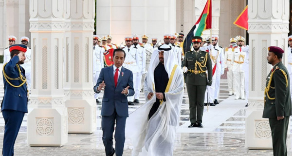 Putra Mahkota Uni Emirat Arab Sambut Jokowi - JPNN.com