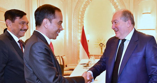 Jokowi Temui Presiden Armenia Armen Sarkissian - JPNN.com
