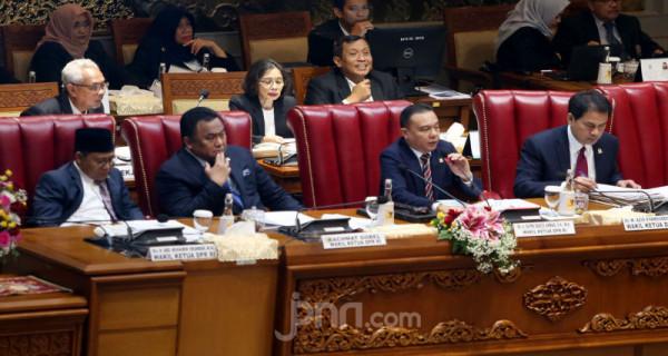 Pembukaan Masa Persidangan II Tahun Sidang 2019-2020 - JPNN.com