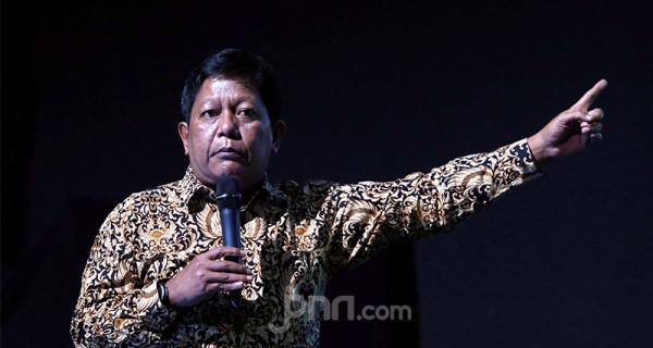 Plt. Direktur Pemberdayaan Informatika Slamet Santoso saat acara Peluncuran Inisiatif dalam Menciptakan Ekosistem yang Aman di Kantor Gojek, Jakarta, Jumat (28/2). Foto: Ricardo - JPNN.com