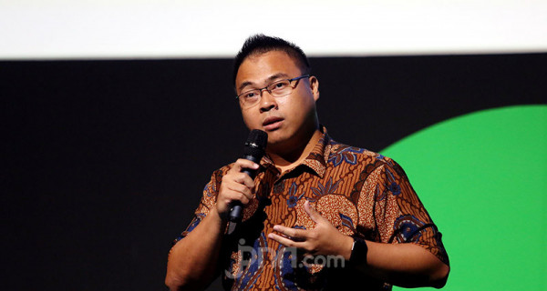 Adjunct Researcher Center for Digital Society (CfDS) UGM Adityo Hidayat saat acara Peluncuran Inisiatif dalam Menciptakan Ekosistem yang Aman di Kantor Gojek, Jakarta, Jumat (28/2). Foto: Ricardo - JPNN.com