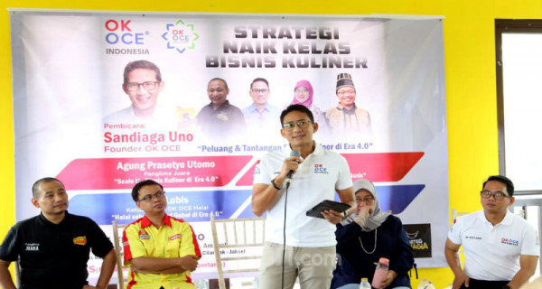 Founder OK OCE Sandiaga Uno menjadi pembicara dalam diskusi bertema Strategi Naik Kelas Bisnis Kuliner, di Jakarta, Kamis (27/2). Foto: Ricardo - JPNN.com