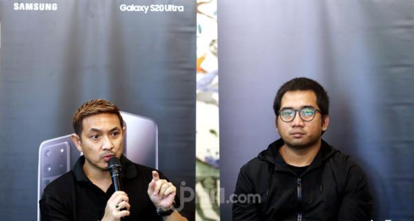 Photographer Tommy Siahaan (kiri) dan Product Marketing Manager Samsung Mobile Indonesia Taufiqul Furqan saat acara Samsung Consumer Launch serta Photography Sharing Session Bersama Galaxy S20 Series, Jakarta, Jumat (6/3). Foto: Ricardo - JPNN.com