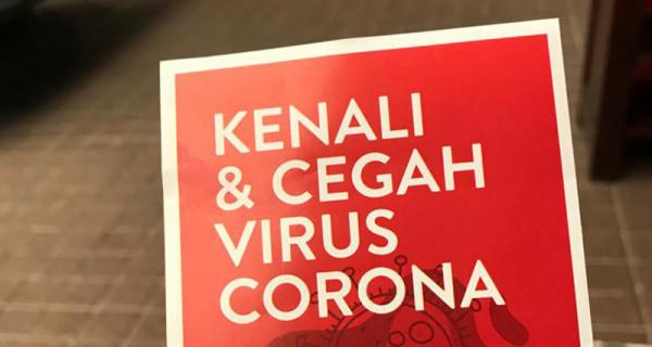 PDIP menyebarkan leaflet sebagai upaya mendidik masyarakat menanggulangi Covid-19, Minggu (15/3). Sekjen PDI Perjuangan Hasto Kristiyanto mengatakan sosialisasi itu merupakan arahan Megawati Soekarnoputri. Foto: DPP PDIP for JPNN.com - JPNN.com